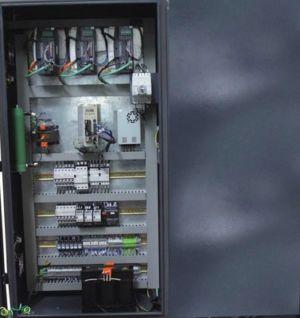 Вертикально-фрезерный станок ОЦФ300В