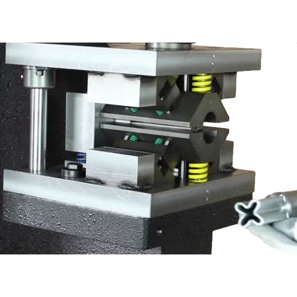 Станок для пробивки и формовки концов труб CP 40