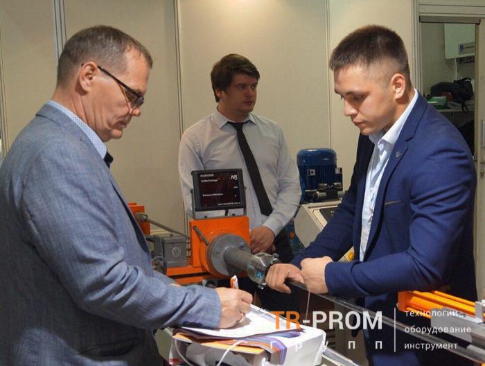 Общение с клиентами на выставке Металлообработка 2019